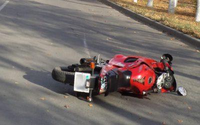 Молодой мотоциклист пострадал в ДТП в Смоленской области
