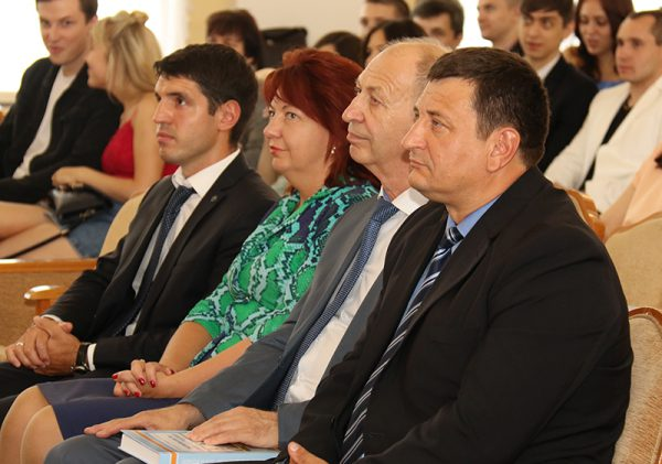 Выпускникам РАНХиГС вручили дипломы