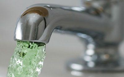 Зеленая вода потечет по трубам в Смоленске