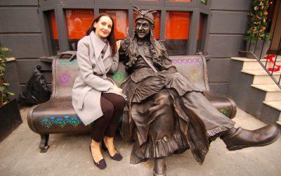 Скульптуру Бабы Яги из Смоленска установили в Лондоне