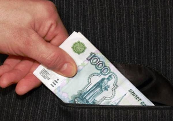 Сотрудник МКУ «Строитель» попался на взятке в Смоленске
