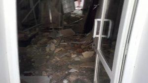 Со слов очевидцев стало известно, что в центре Смоленска в доме произошло обрушение перекрытий.