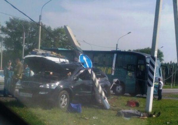 «Двое мужчин погибли». Страшное ДТП произошло в Смоленске (ВИДЕО)