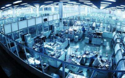 Медведев разрешил «АЛРОСА» купить смоленский завод «Кристалл»