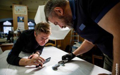 «Убийственная красота» – историки устроили фотосессию мечей, найденных при раскопках в Гнездове